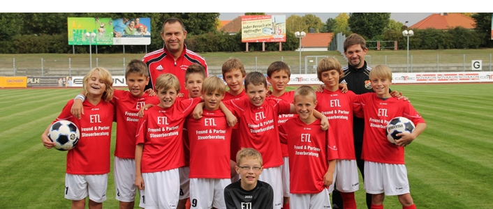 Neue Trikots für die E-Junioren des VfB Germania Halberstadt