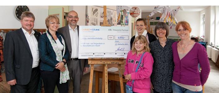 ETL Freund & Partner Erfurt spendet 6.850 EUR für guten Zweck