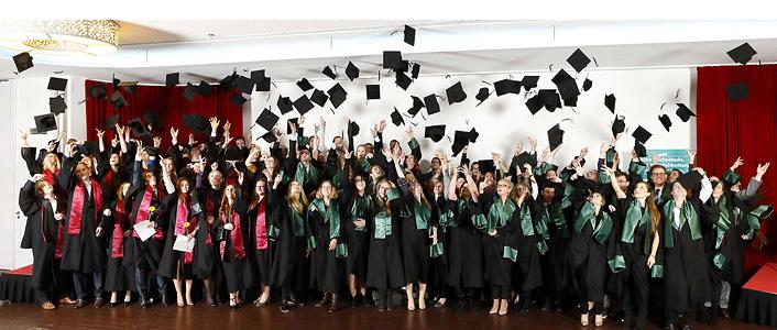 Die hannoverschen Bachelor- und Master-Absolventen der FOM Hochschule 2016 (FOM)