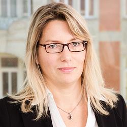 Claudia Falke