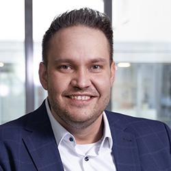 Dennis Schroeder