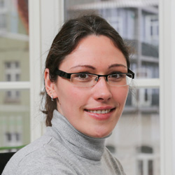 Adrienne Kindleb