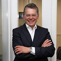 Dr. Uwe P. Schlegel